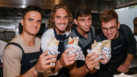 Stefanos Tsitsipas re-launches limited edition souvlaki to assist Covid-19 relief (pics)